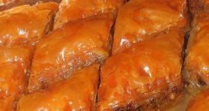 Баклава со ореви и плазма бисквити
