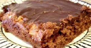 Експрес колач со јаболки и чоколадо