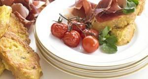 Пржени лепчиња со кашкавал и домати