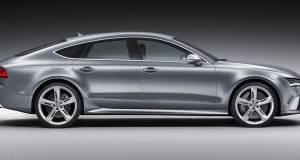 Audi RS7 вози без возач зад воланот