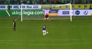 Фудбалска мајсторија: Еден од најдобро изведените пенали на сите времиња!