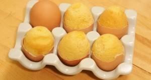 Направила дупка во јајцето…крајниот резултат ќе ве остави без зборови!