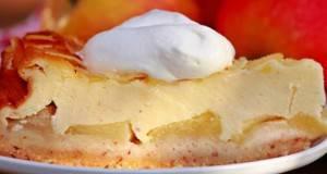 Колач од јаболка и бадем