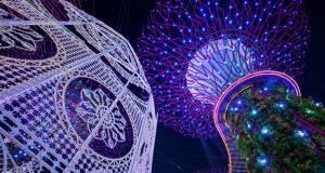 Божиќните декорации во срцето на Сингапур