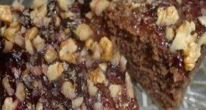 Посна торта со мармалад и ореви