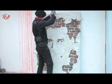 Зема чекан и почна да го руши ѕидот. Кога ќе го видите крајниот резултат ќе останете без текст…