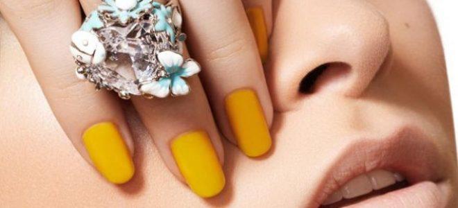 Каков лак имате на ноктите? Жолт носат среќните, а син стабилните девојки