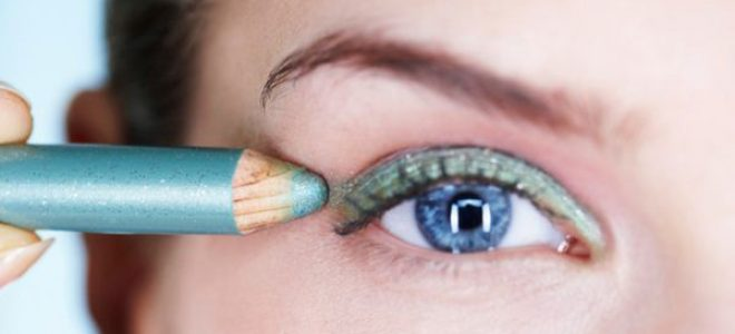 За различен мејкап-ефект на очите, потребни ви се различни моливи