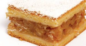Непечена лења пита со јаболка, пудинг и бисквити