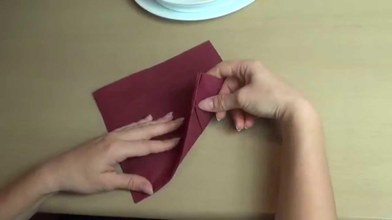 Три оригинални начини да направите украсни салфетки и да ги импресионирате гостите