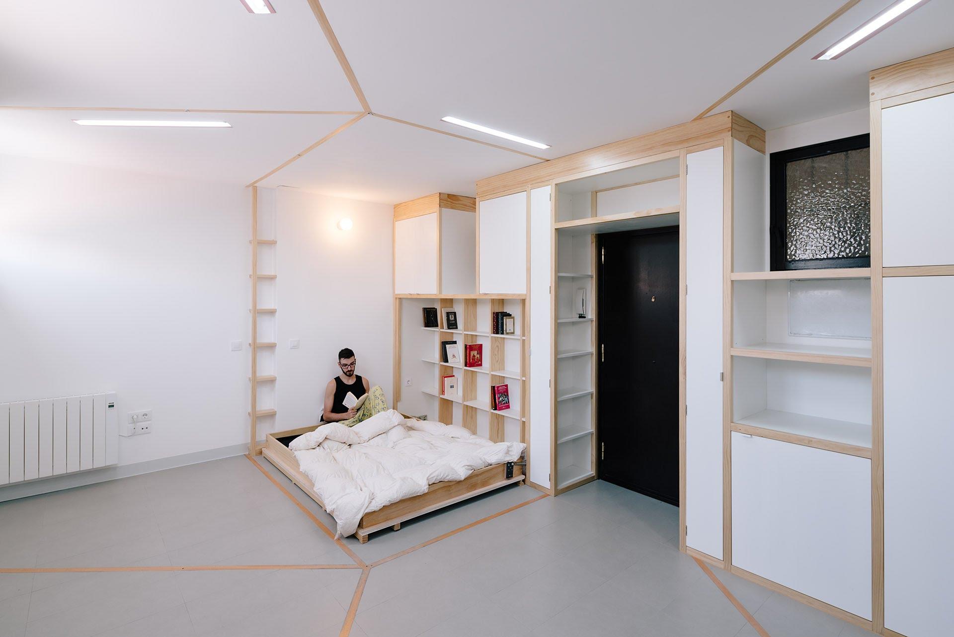 Трансформација која остава без текст: Тој живее во една мала соба, на која сите му завидуваат…