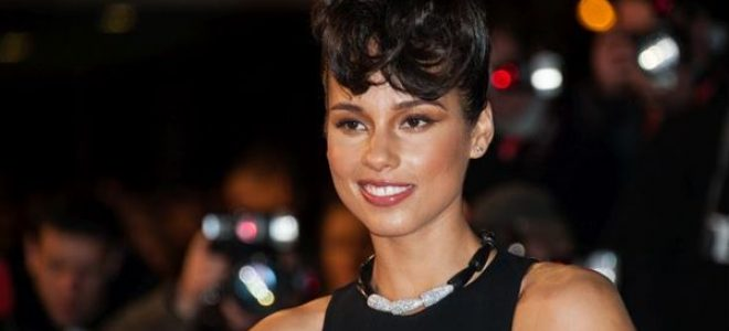 """Пејачката е пресреќа: Доделувањето на """"Grammy"""" наградите ќе го води Alicia Keys"""