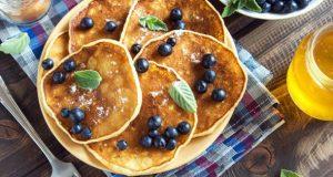 Започнете го денот со квалитетен и едноставен десерт: Неодоливи палачинки без бело брашно кои ви гарантираат совшен вкус!