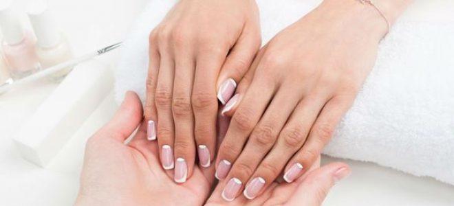 Елеганција на дланките: Новото лице на женствениот маникир кој се врати на големата врата