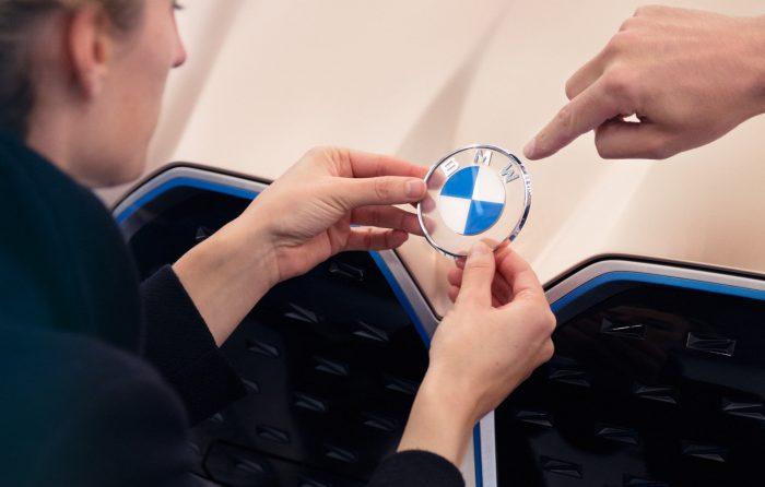 BMW-Logo-4-700x446