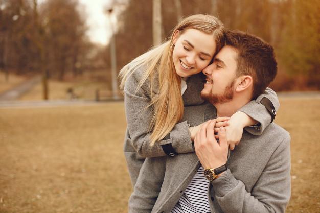 beautiful-couple-spend-time-autumn-park_1157-21382