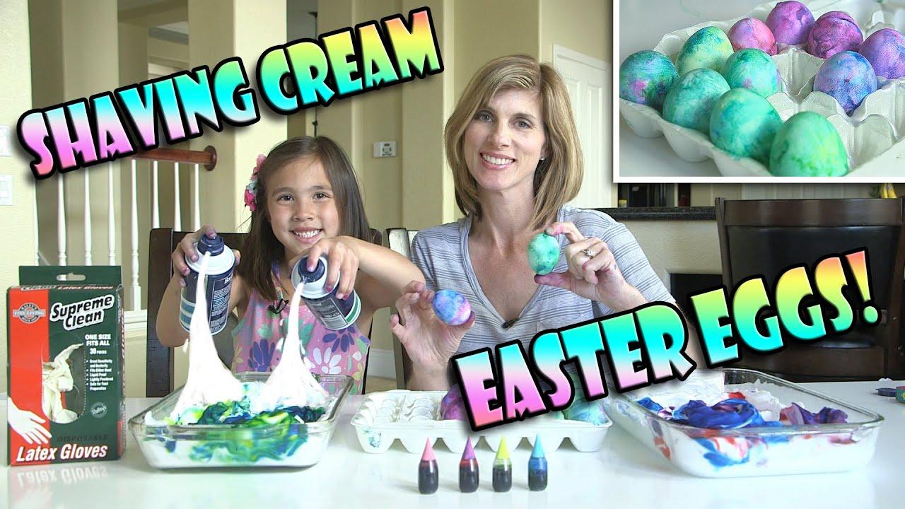 Дали знаевте дека Велигденските јајца можат феноменално да изгледаат ако се офарбаат со пена за бричење? :)