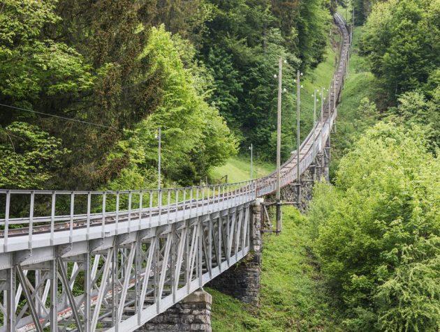 61863494-niesen-svicarska