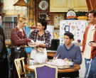 Чендлер и даде на Фиби посебен поклон после завршувањето на серијата Пријатели, а позади тоа се крие и приказна!