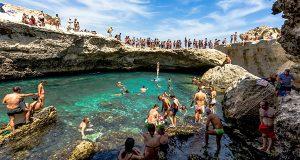На јадранското крајбрежје: Дали е ова најубавиот природен базен на светот?
