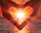 Пробајте ја оваа љубовна медитација која привлекува љубов на сите нивоа