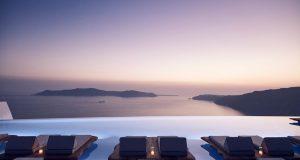 Во овој прекрасен хотел на Санторини дефинитивно се гледаме!