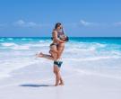 Бикини врзување и… пеперминт: 4 начини за водење љубов за летото да биде уште ПОЖЕШКО