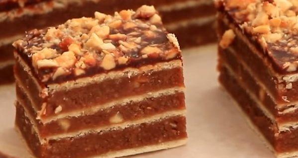 Snikers-kolač