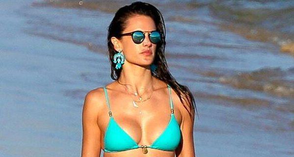 rs_634x1024-150714092349-634.Alessandra-Ambrosio-Bikini-Rio-JR-71415