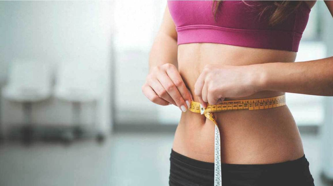 woman-measuring-stomach-1296x728