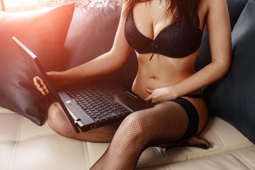 virtuelni-onlajn-seks-830x0