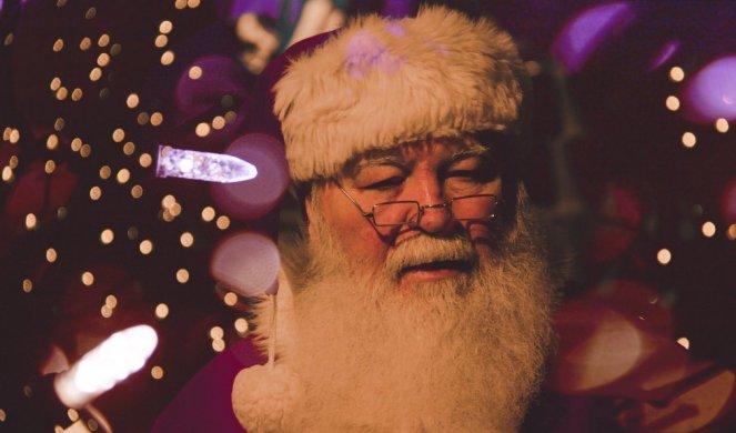 402230_father-christmas-1149928-1920_f