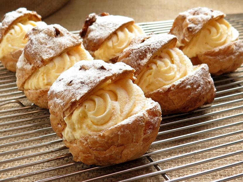 cream-puffs-4271811920-830x0