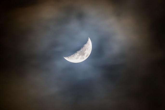 mesec-nebo