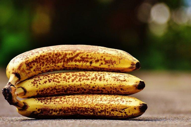 142359_bananas-1735006-1920_f.jpg