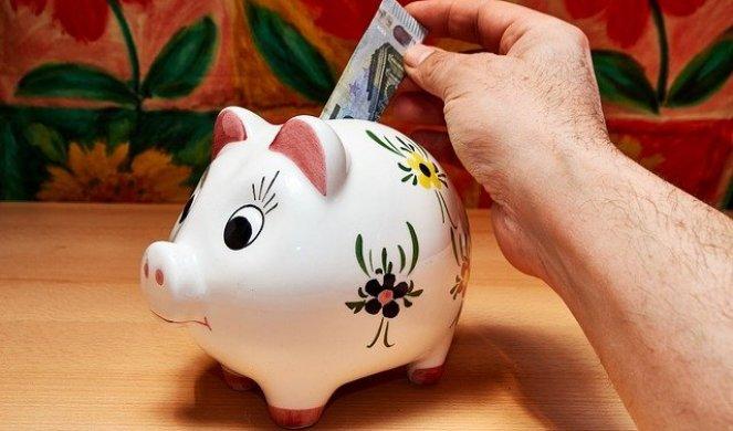 313842_savings-3228759-640_f