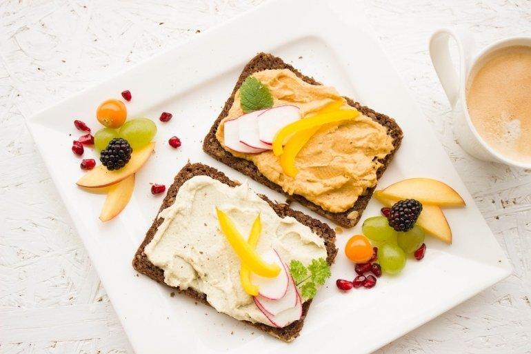 3243_breakfast-1804457-960-720_f