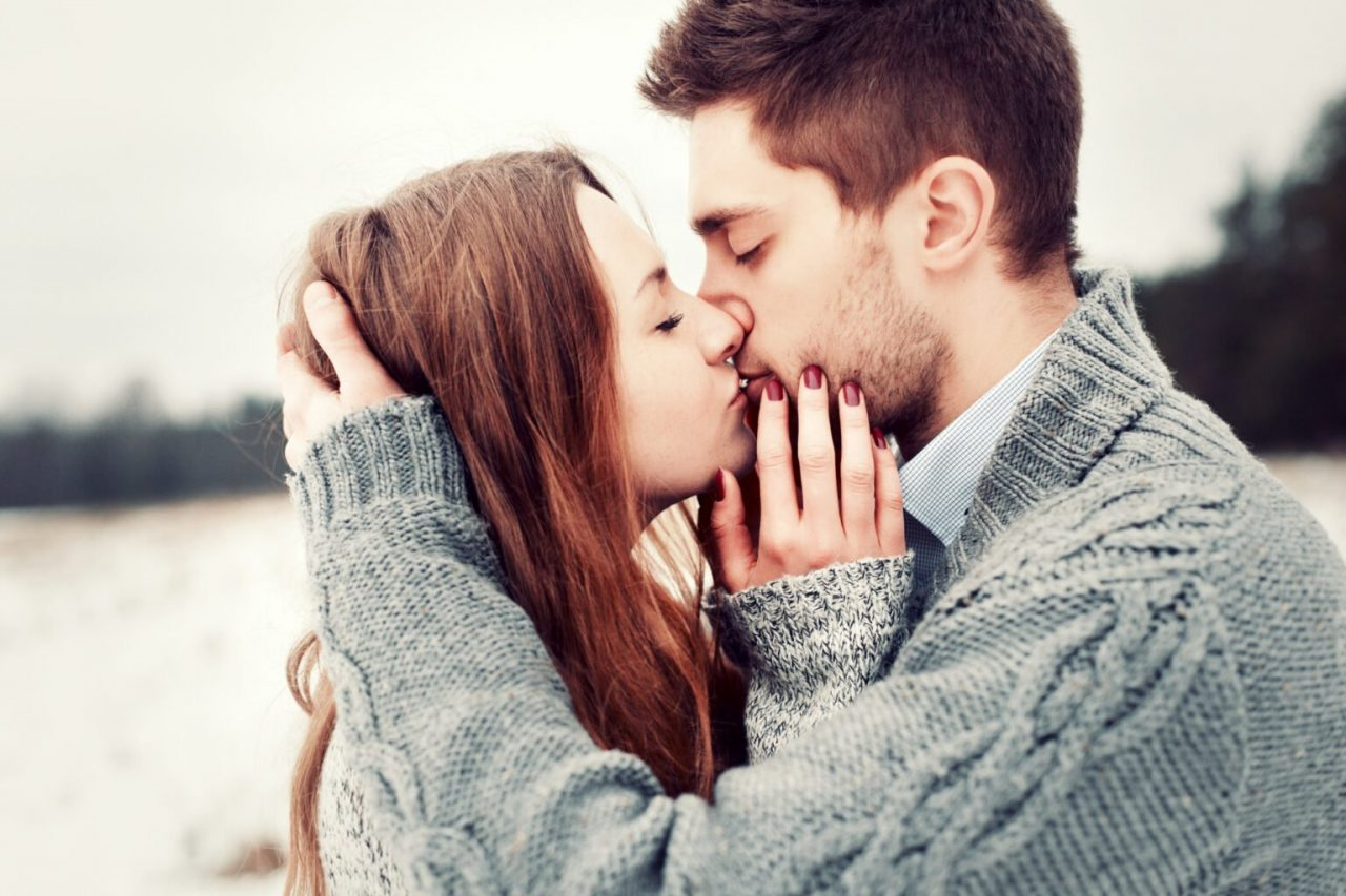 close-up-couple-love-posing-while-kissing-1536x1024