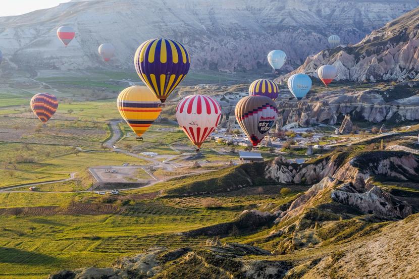 hot-air-balloons-53197031920-830x0
