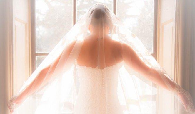 337856_bridal-1942169-1920_f.jpg
