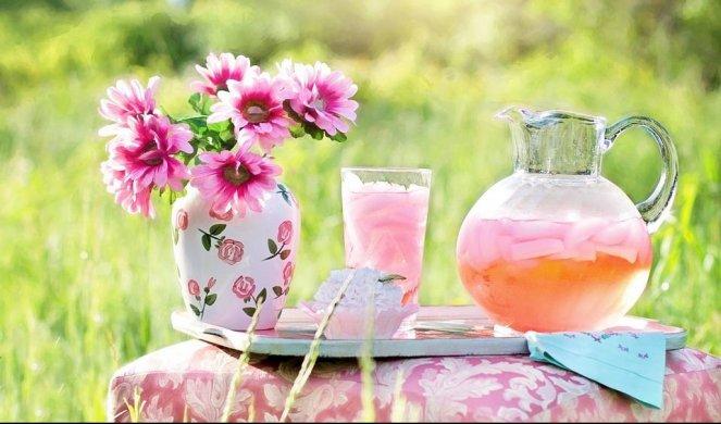 121458_pink-lemonade-795029-960-720_f
