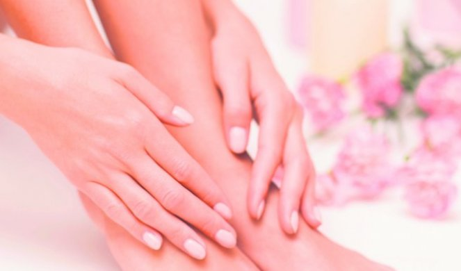 239314_stock-photo-the-picture-of-ideal-done-manicure-and-pedicure-female-hands-and-legs-in-the-spa-spot-1175472193_f