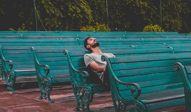 241851_aloneadult-alone-bench-1076999_f