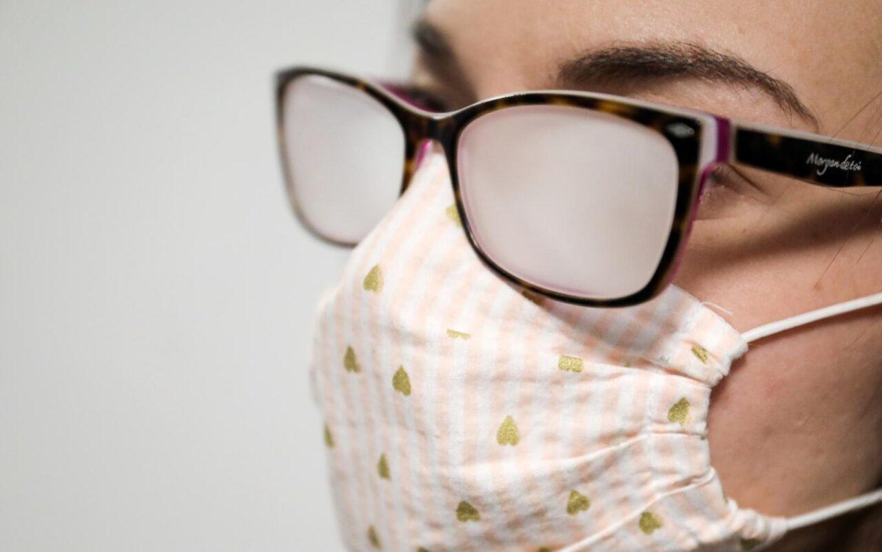 Zamagljene naočale tijekom nošenja zaštitne maske