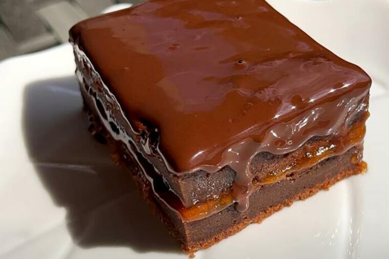 257873_cokoladni-kolac-sa-dzemom_ls