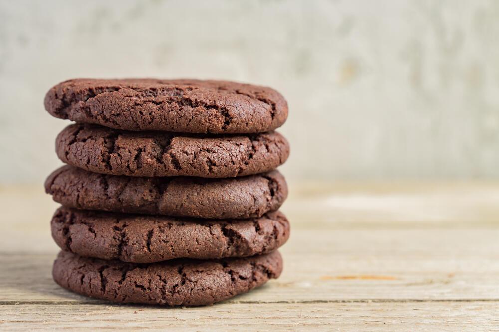 327527_cokoladni-kolacici-shutterstock-1662909385_ff