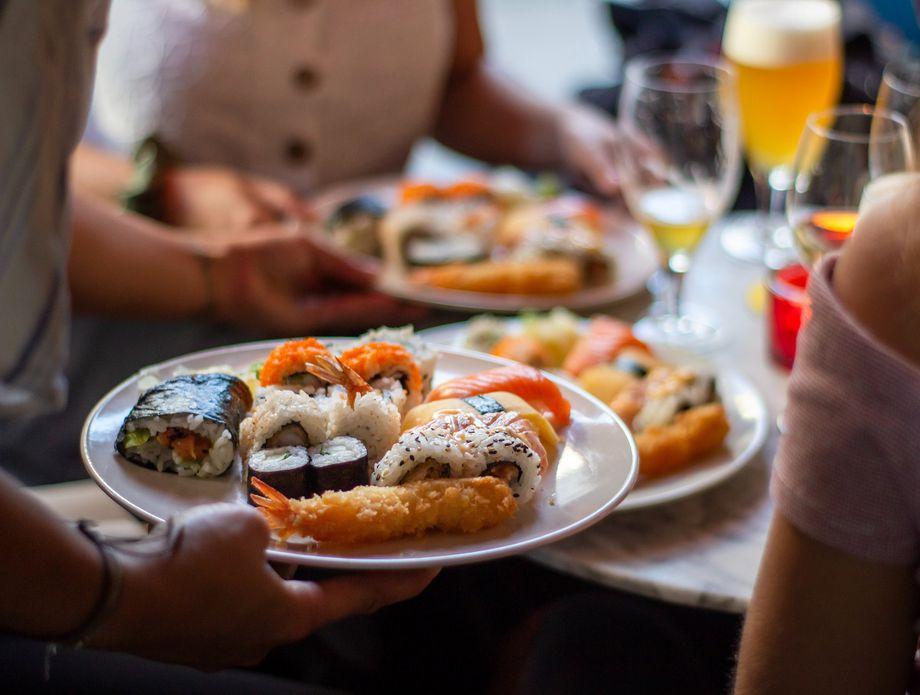 62173646-sushi.jpg